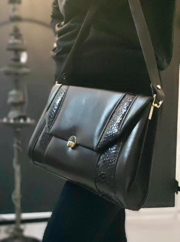 Элегантная сумка из натуральной кожи.