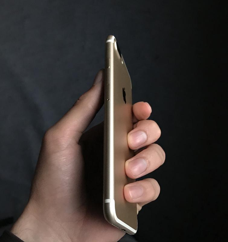 iPhone 7+,Gold,32gb