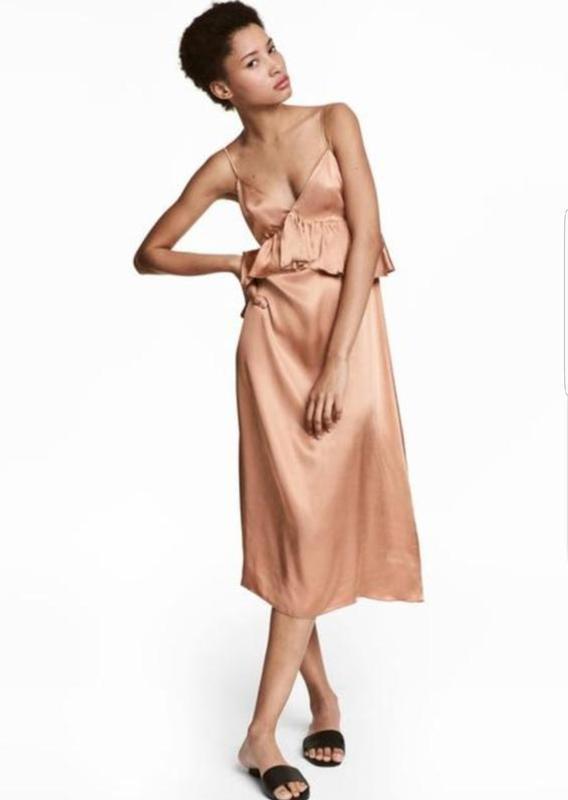 Красивое платье, сарафан h&m с оборками.
