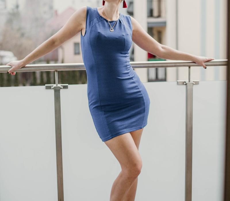 Синие платье h&m в идеальном состоянии размер 36/38