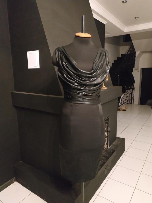 """Платье """"вторая кожа"""" стрейч атлас крутая спинка италия"""