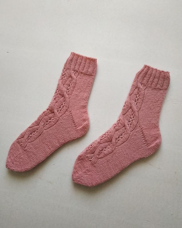 Вязаные носки ручной работы - Фото 3