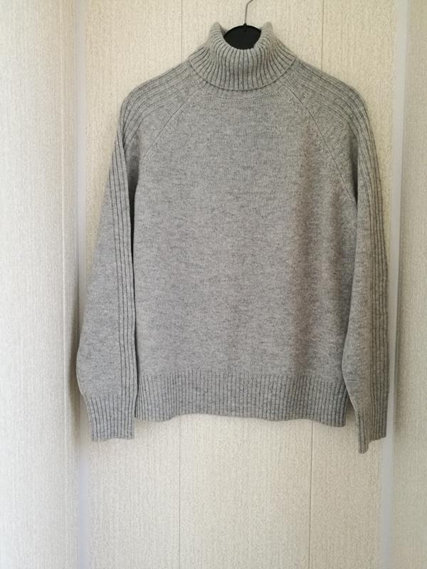 Шерстяной свитер гольф,водолазка
