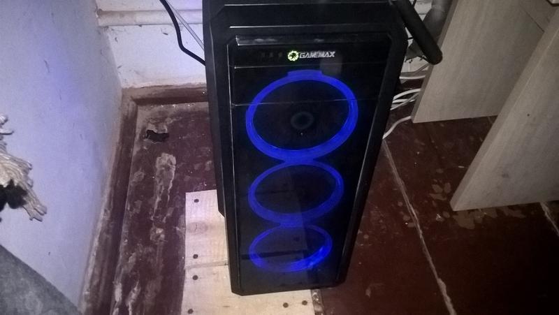 Игровой компьютер AMD FX(tm) , GT710 , ssd 120, hdd 500, 8gb озу
