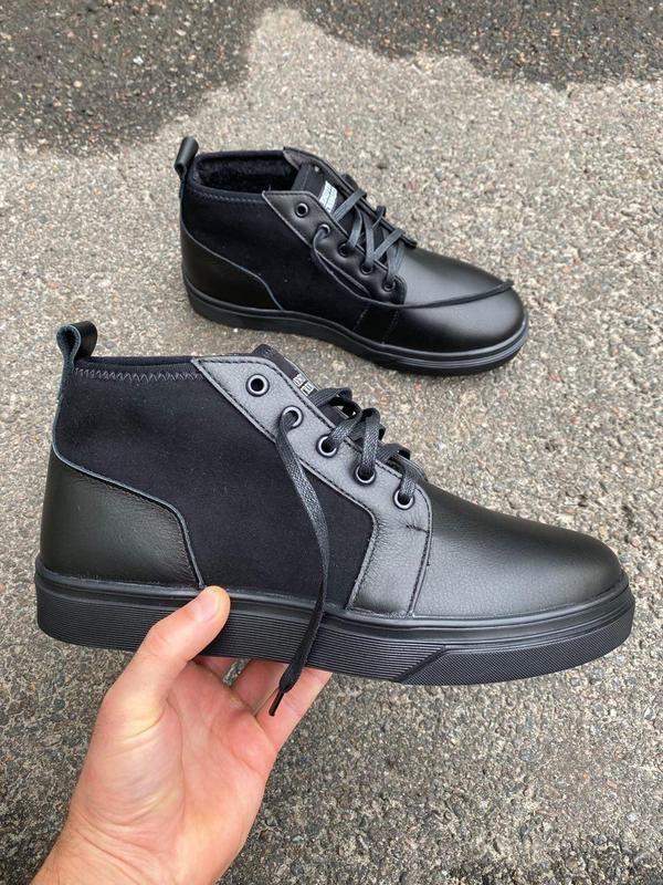 Мужские зимние черные ботинки из кожи и замши - Фото 5