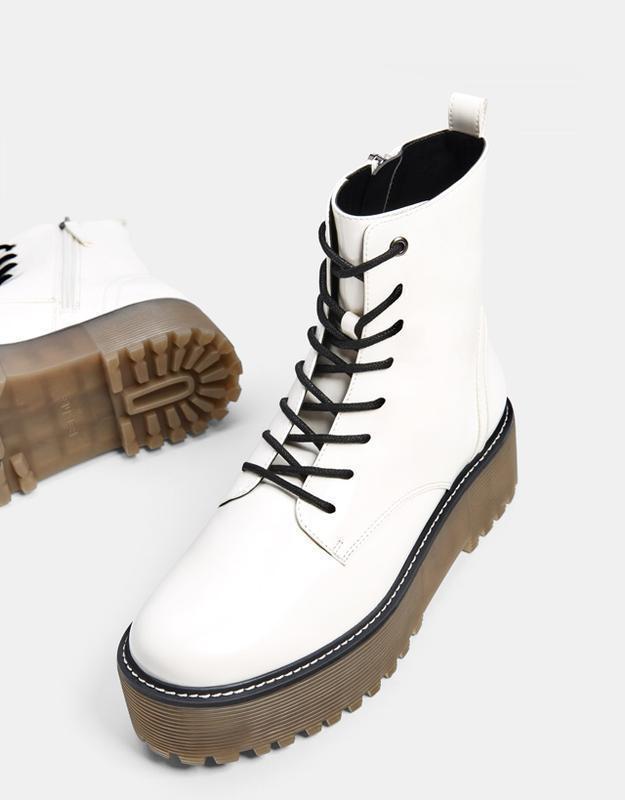 Ботинки ,ботильоны на утолщенной платформе bershka