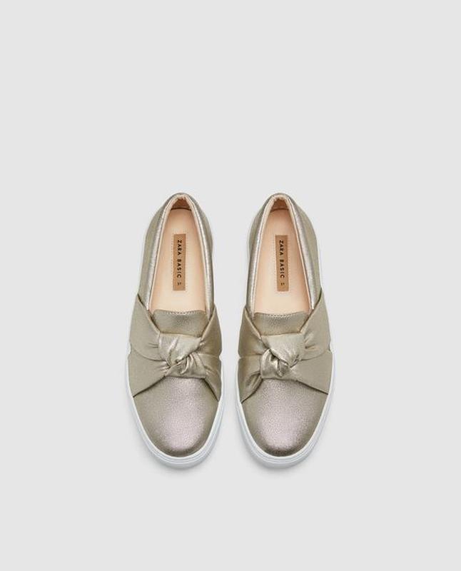 Золотые слипоны. туфли  zara