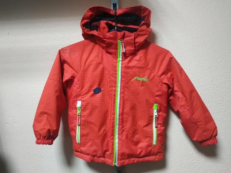 Яркая брендовая куртка для мальчика 6 лет