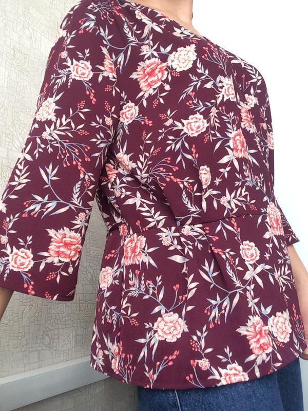 Бордовая блуза на запах/цветочный принт/р.18