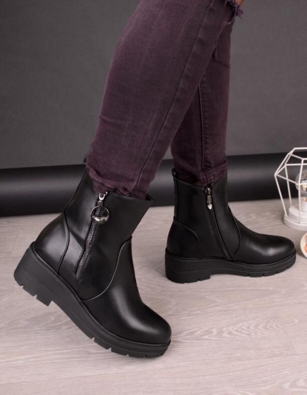 Ботинки зимние на небольшой платформе