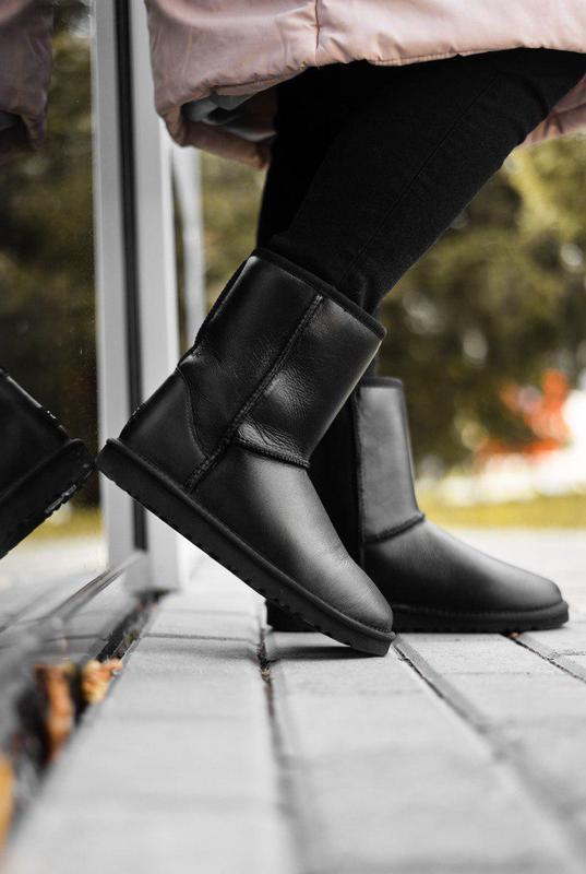 Ugg classic short black lather! женские кожаные зимние угги/ с...