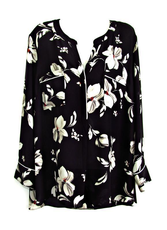 Матовая блуза с крупными цветами р.20