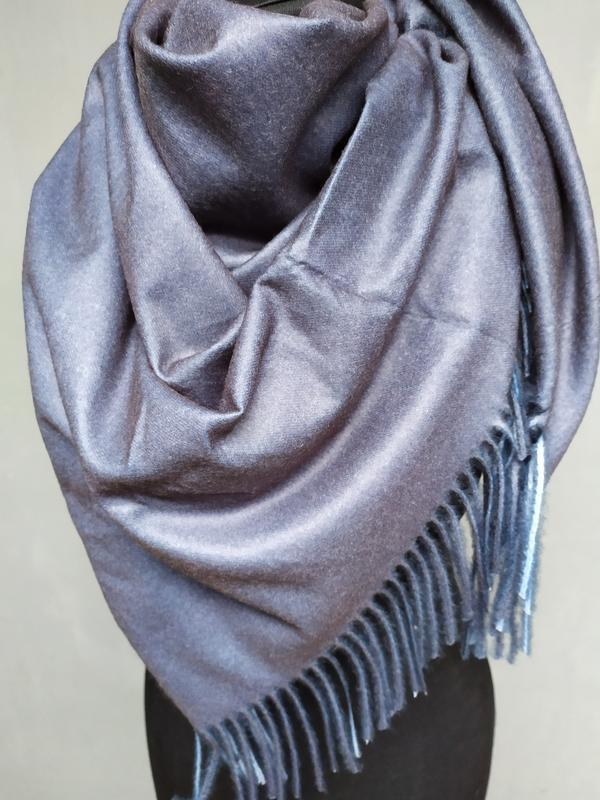 Теплый двухсторонний платок серый темно серый в наличии