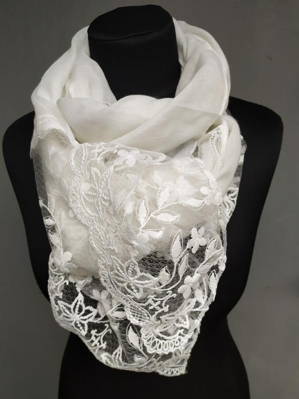 Нарядный праздничный шарф молочный айвори в наличии