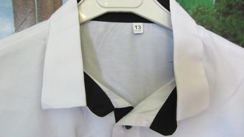 Белая рубашка с налокотниками для мальчика - Фото 4