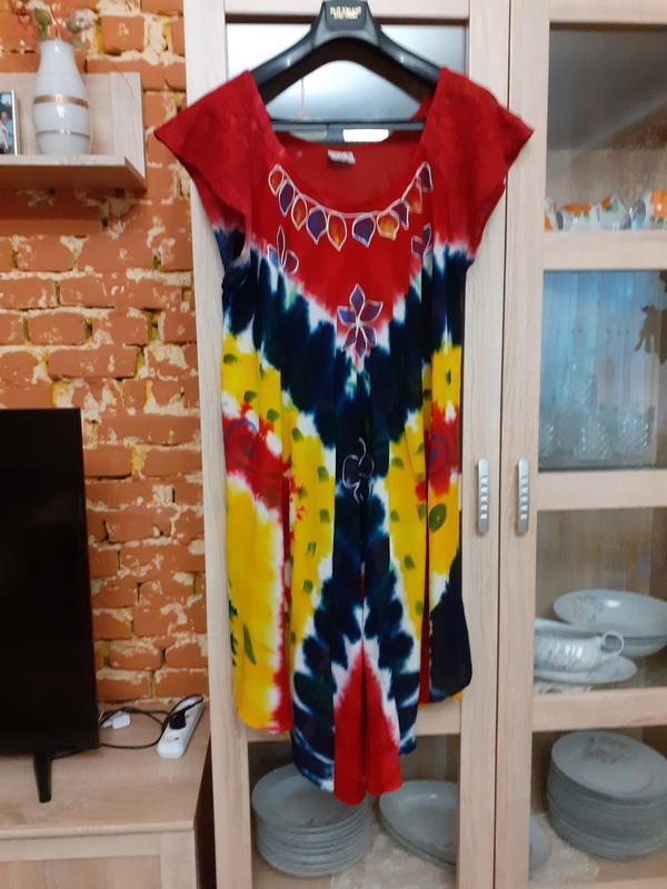 Яркое натуральное платье с вышивкой и гипюровыми рукавами боль...