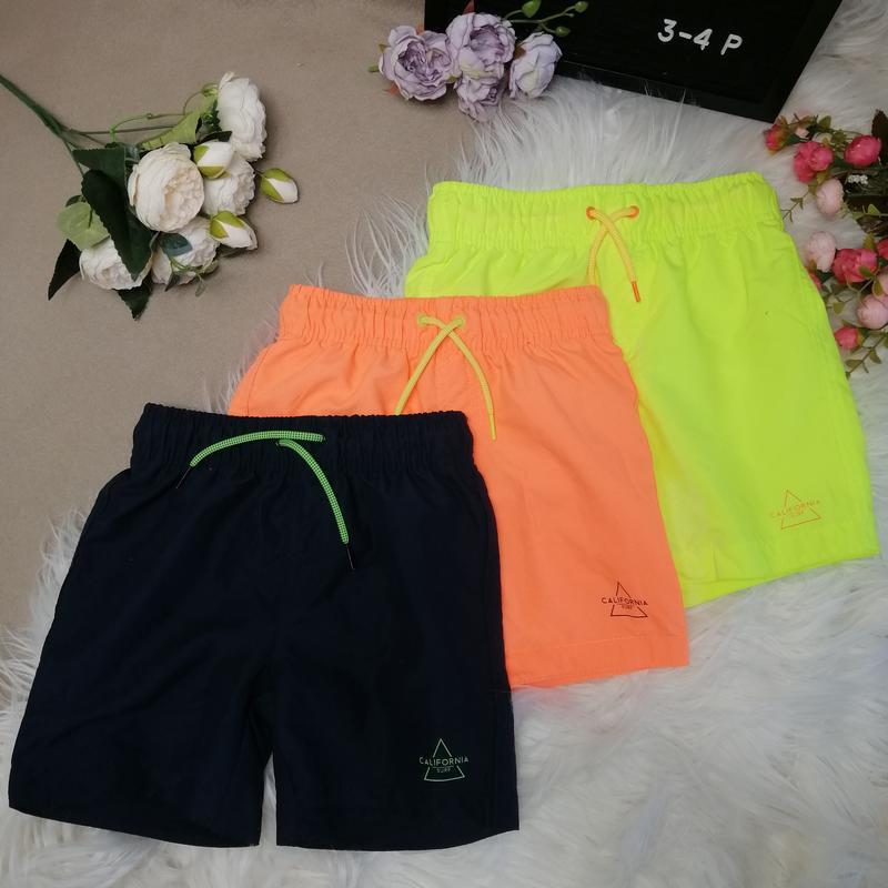 Пляжные шорты новые 3-4 года