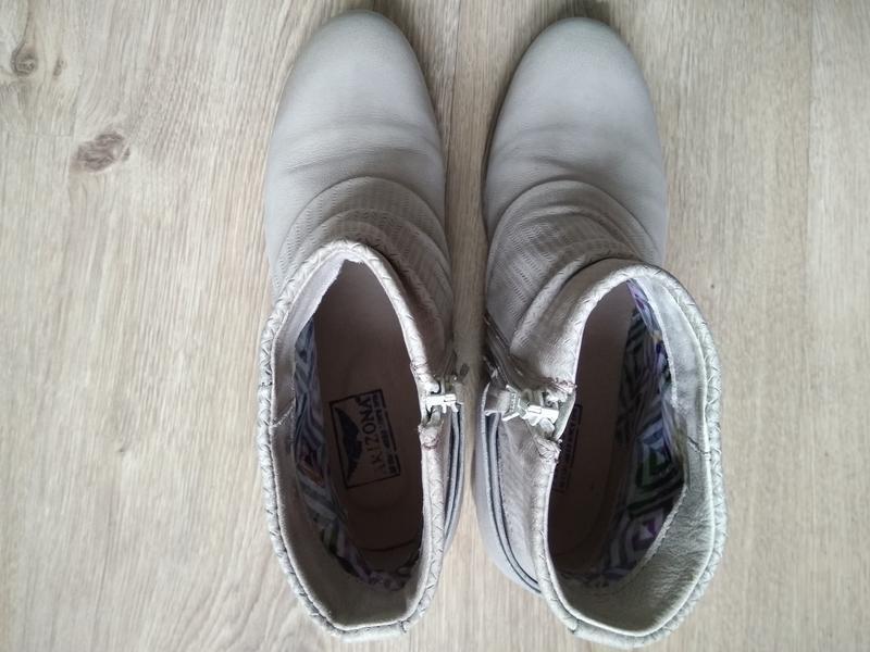 Приличные кожаные серо-бежевые ботильоны ботинки полуботинки - Фото 2
