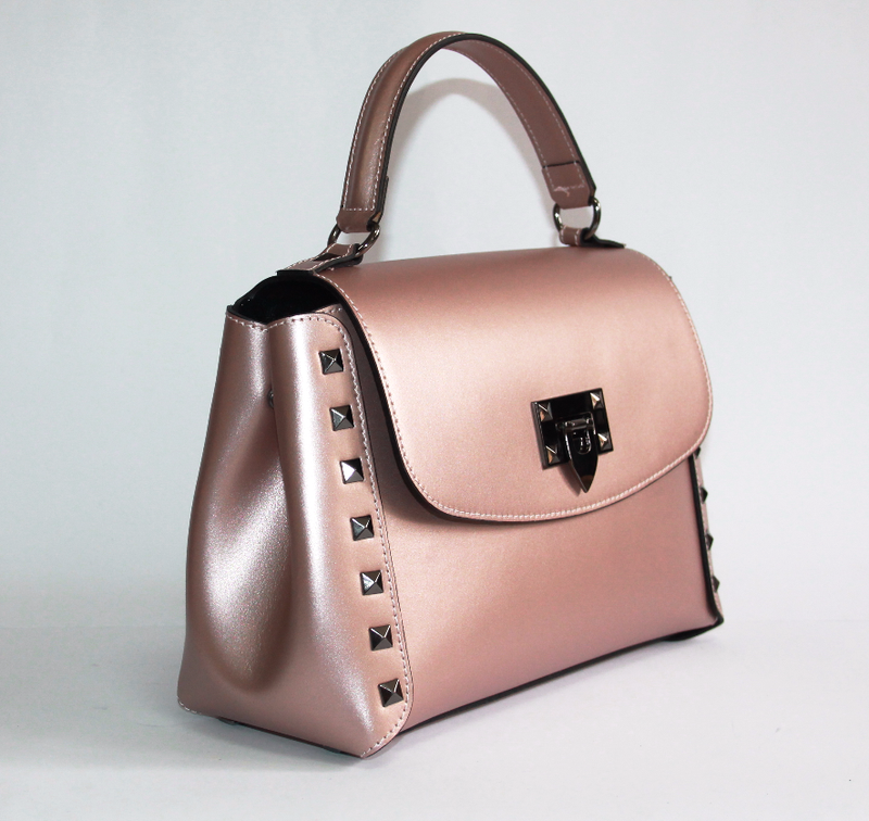 Поделиться:  пожаловаться женская сумка италия натуральная кожа