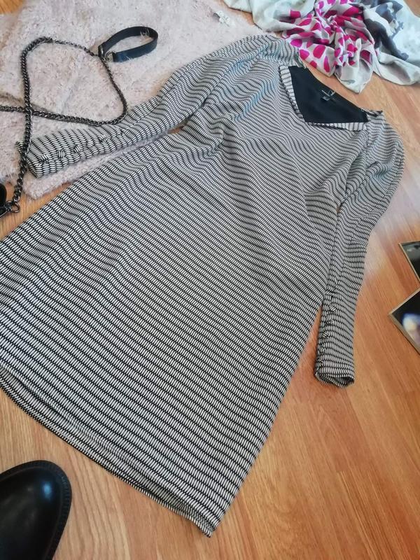 Женское супер стильное брендовое платье mango - размер 44 - Фото 8
