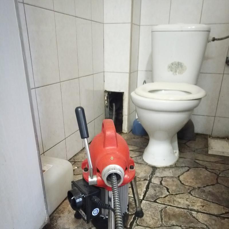 Работаю только по прочистке проф оборудованием 24/7 Киев и обл...