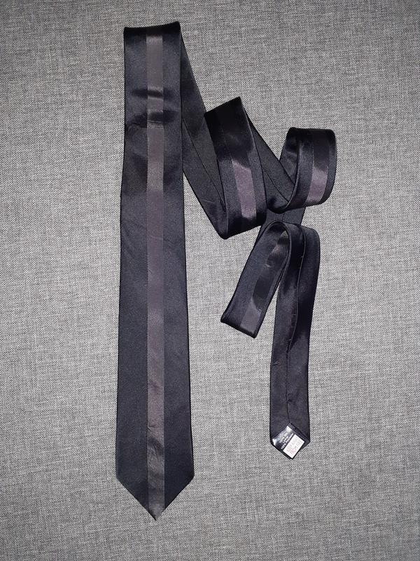 Черный шелковый галстук. 7см.