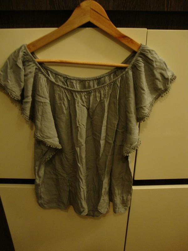 Симпатичная летняя блуза. свободная