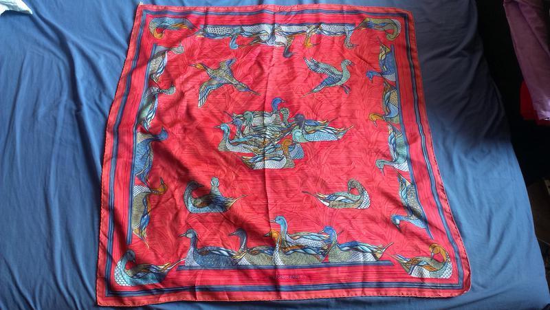 Шелковый винтажный платок hermes «la mare aux canards»