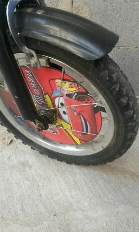 Детский велосипед Mustang Тачки Молния Маквин 18 дюймов - Фото 3