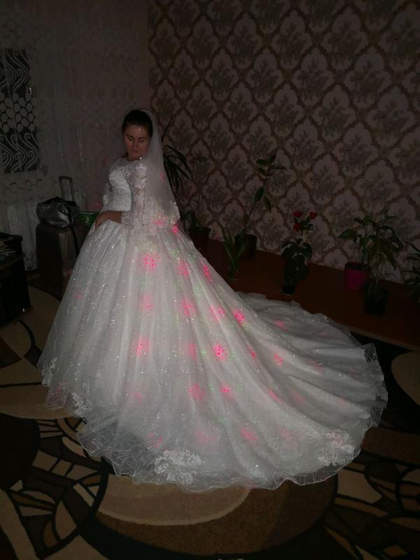 Платье свадебные очень красивые покупала новое один раз одела