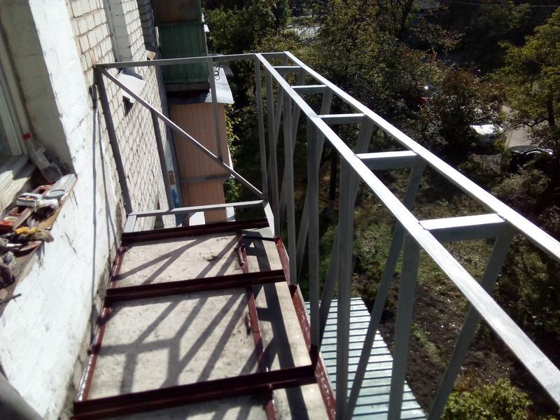 Вынос балкона по полу и поподоконику, под ключ