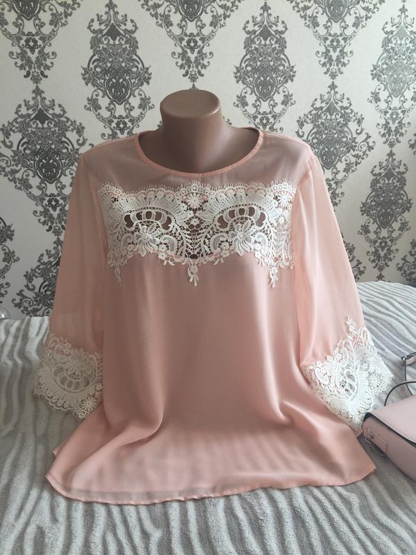 Неймовірна блуза з кружевом святкова