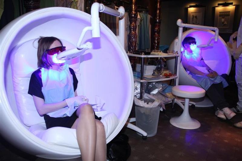 Кресло-ball chair превосходно подходит для косметической услуги