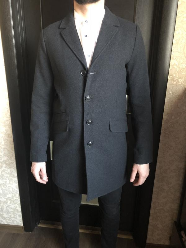 Абсолютно новое мужское пальто
