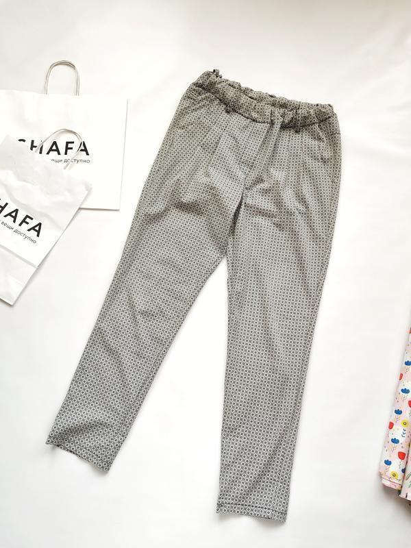 Легкие брюки на резинке в принт ромбы made in italy