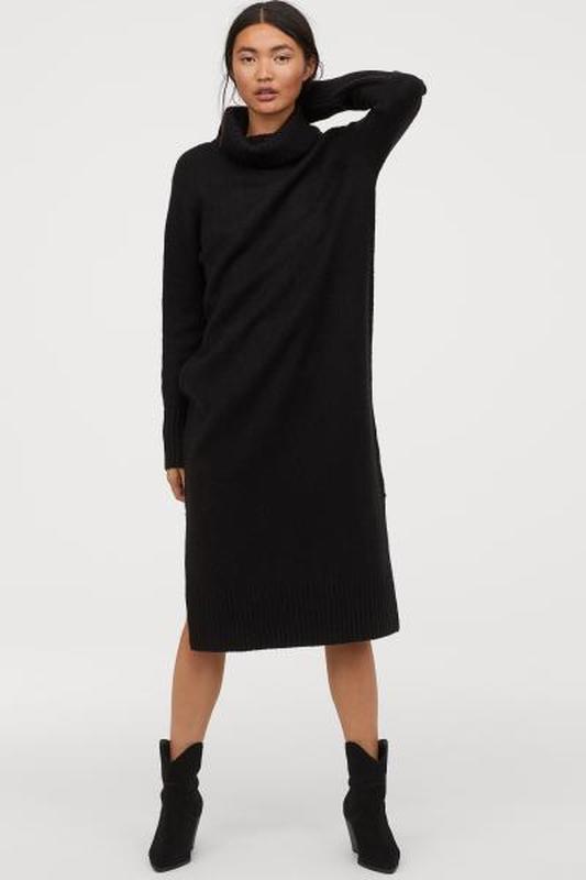 Стильное вязаное платье из мягкой  пряжи с  добавлением шерсти...
