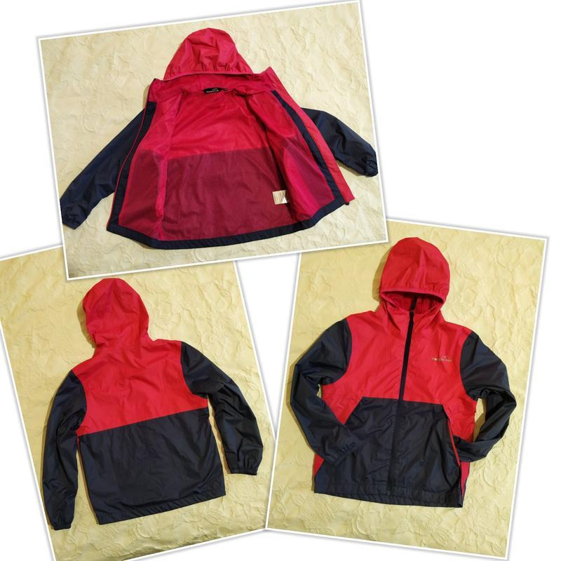 Спортивная куртка-ветровка,дождевик девочке 9 -10 лет