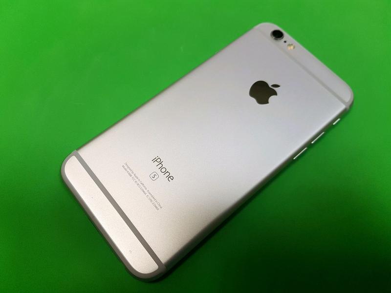 Apple iPhone 6s 32gb. Silver, neverlock, отличное состояние