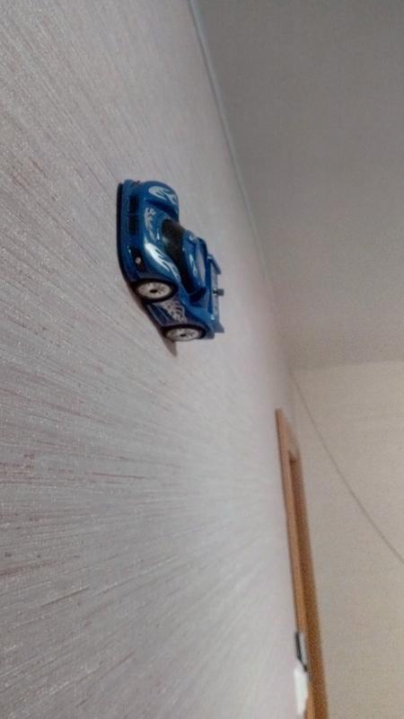 Машинка на радиоуправлении по потолкам - Фото 2
