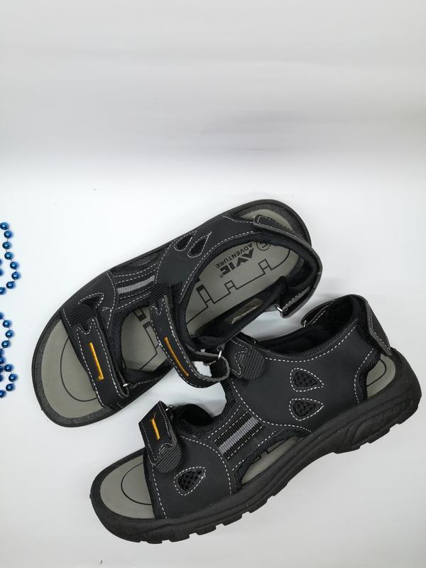 Сандалі сандалии