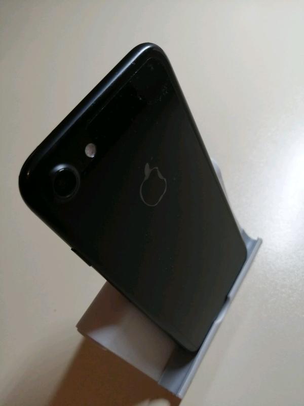 iPhone 7 32 Gb. В полном заводском комплекте!