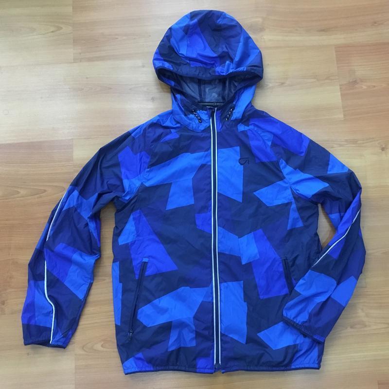 Фирменная крутая ветровка -курточка на мальчика на 12-13 лет !