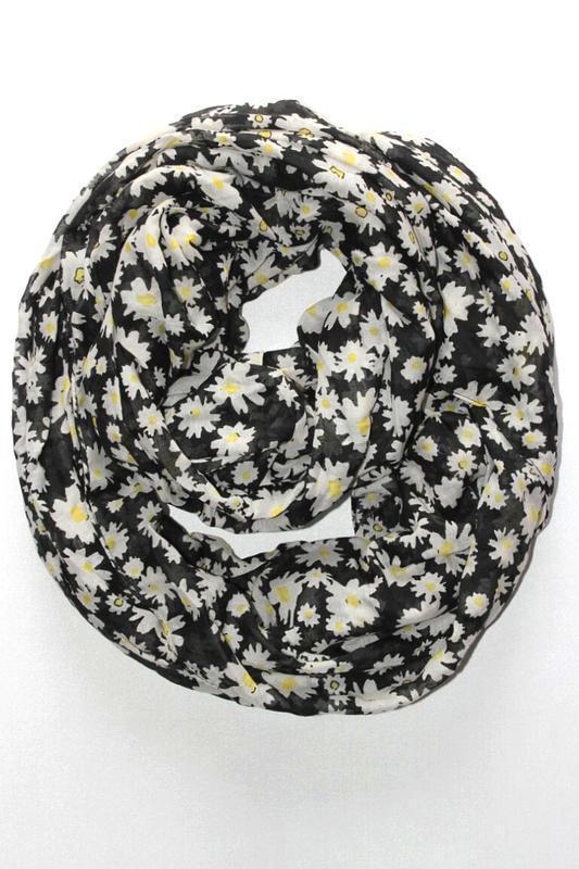 Легкий шарф хомут, снуд в ромашки, германия.