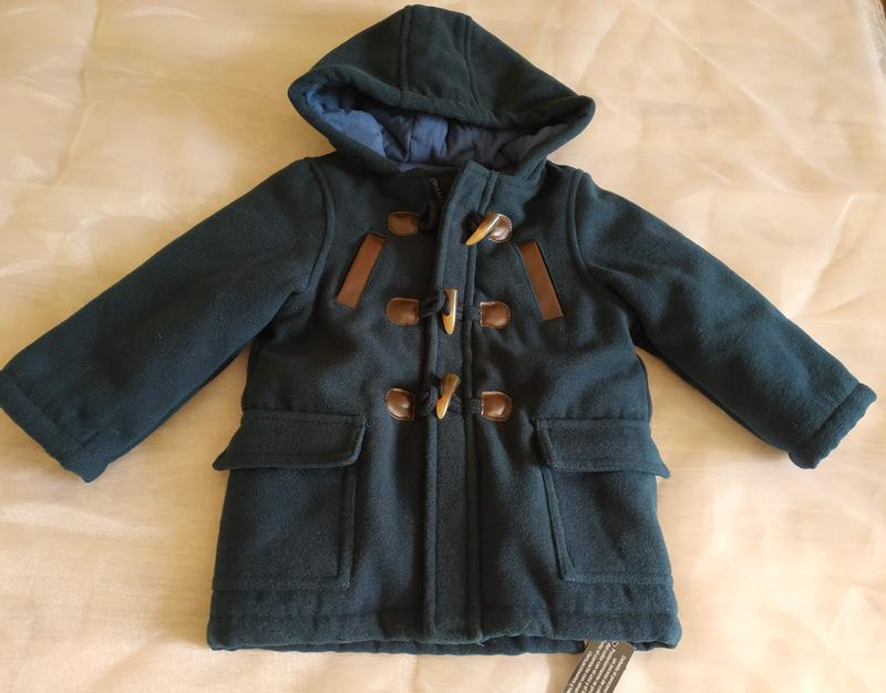 Новое теплое пальто на замке с капюшоном