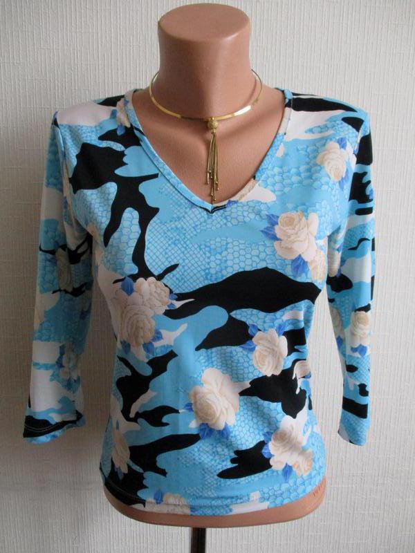 Трикотажная блузка в принт kangol