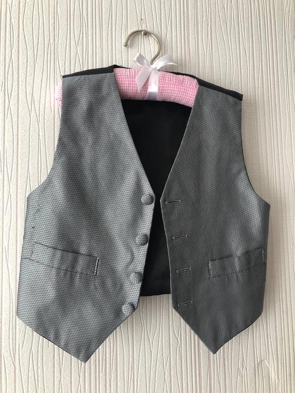Детская жилетка костюмная нарядная
