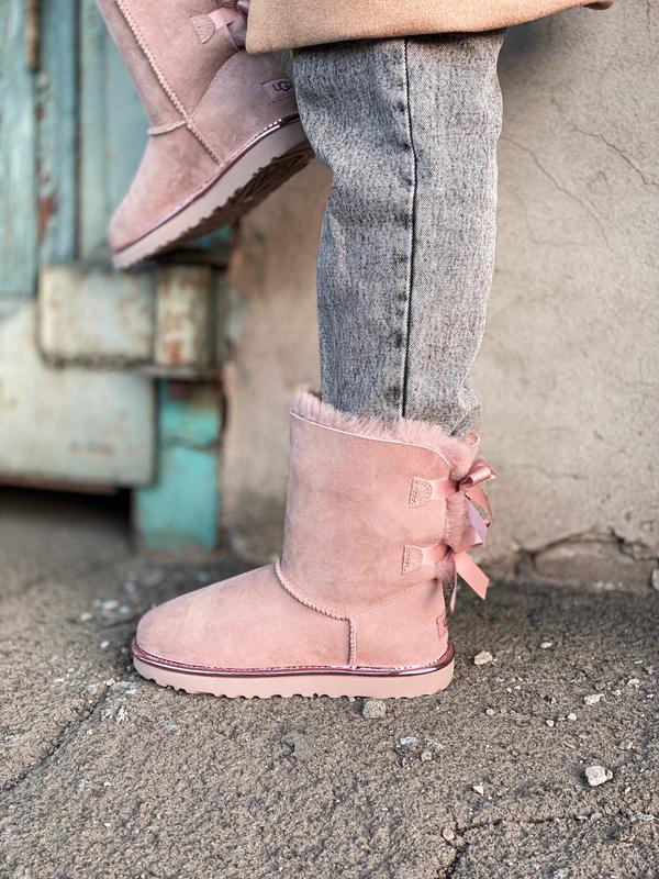 Ugg bailey bow ii pink натуральные женские зимние сапоги угги ... - Фото 2
