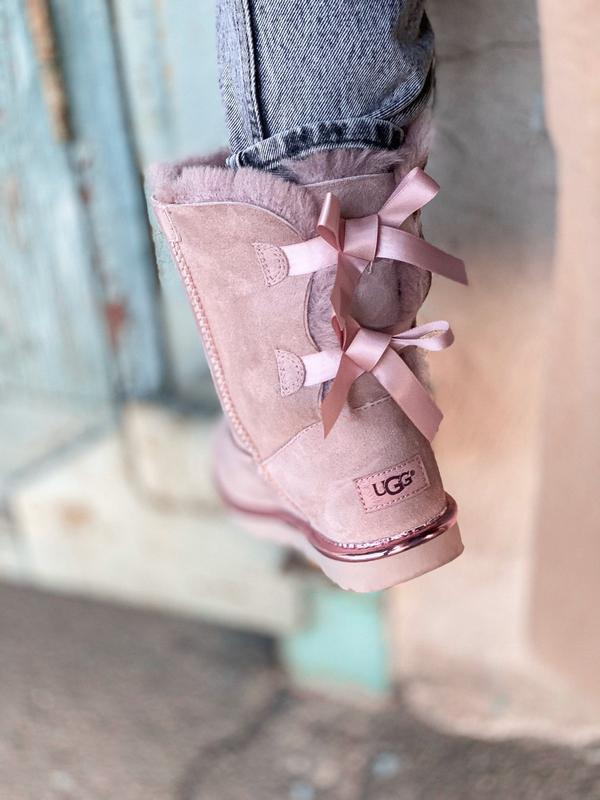 Ugg bailey bow ii pink натуральные женские зимние сапоги угги ... - Фото 3