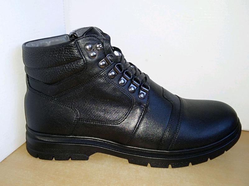 Натуральная кожа, зимние ботинки.