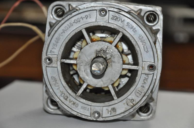 Однофазный конденсаторный асинхронный электродвигатель ОКА 120-4/